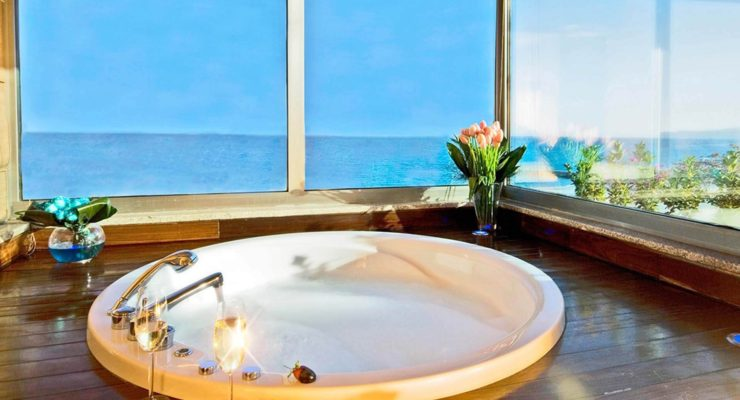 10 Tips On Jacuzzi Manners And Good Sense