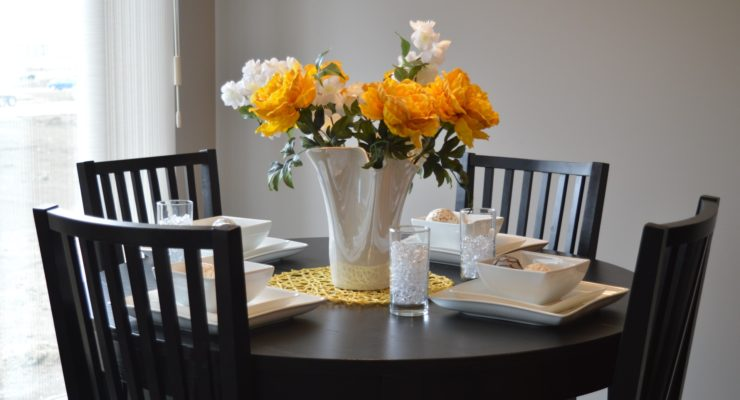 Four Unique Ways To Update Your Dining Room Table